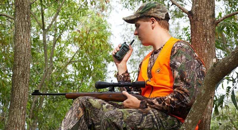 Best 2 Way Radios For Hunting – How Not To Waste Money